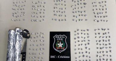 DIC prende dois e localiza munição e 400 pedras de crack