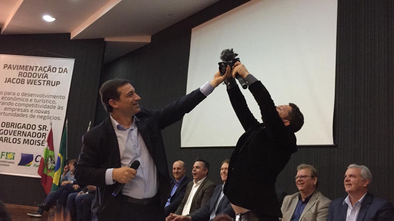 """""""Minha principal oposição vem do PSL"""", afirma Carlos Moisés"""