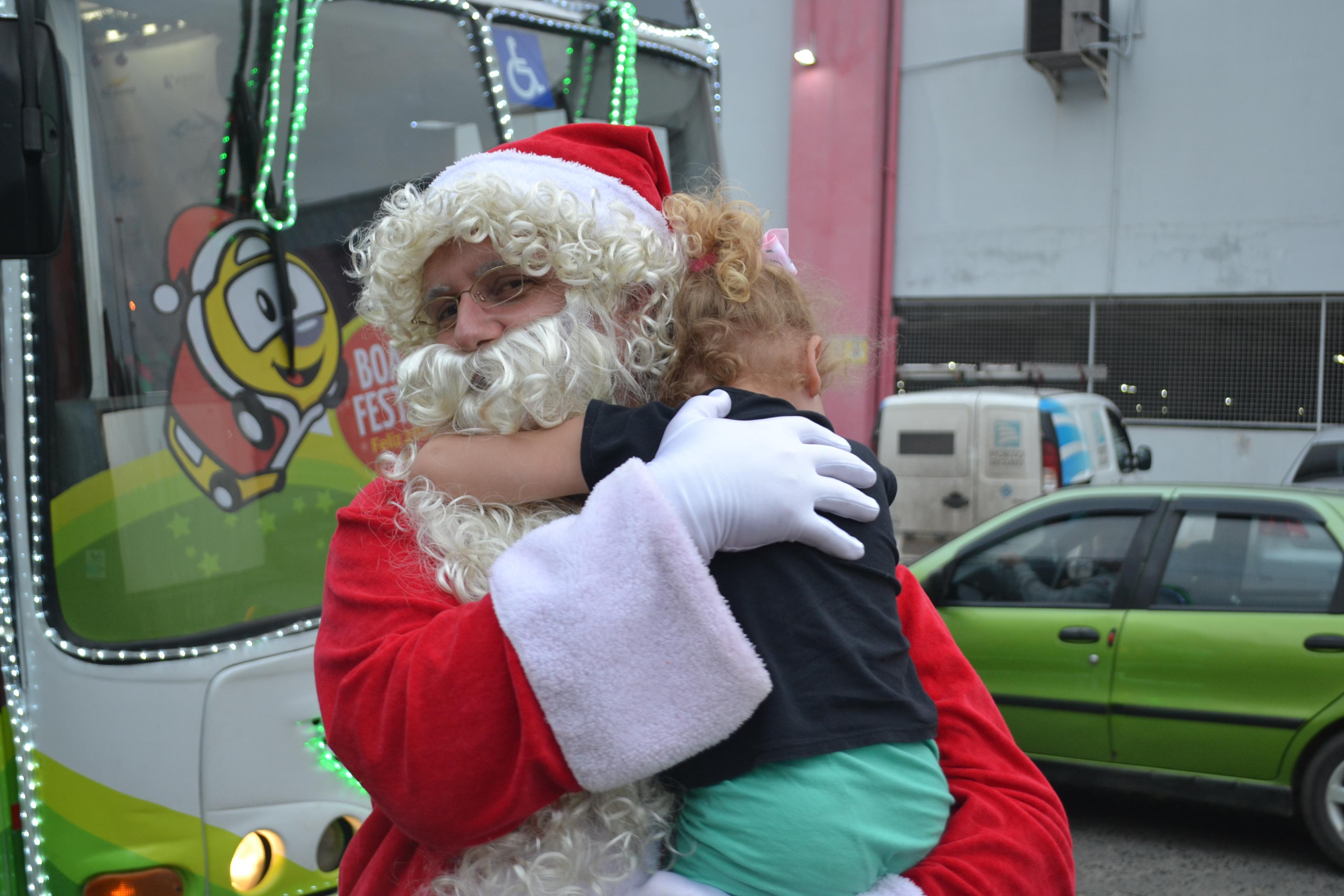 Voluntários fazem a diferença no Expresso Natalino