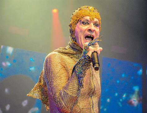 Ney Matogrosso traz o show 'Bloco na Rua' a Criciúma
