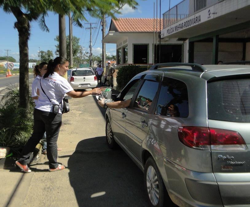 Saúde de Içara promove ações de prevenção na SC-445 e na Praça São Donato