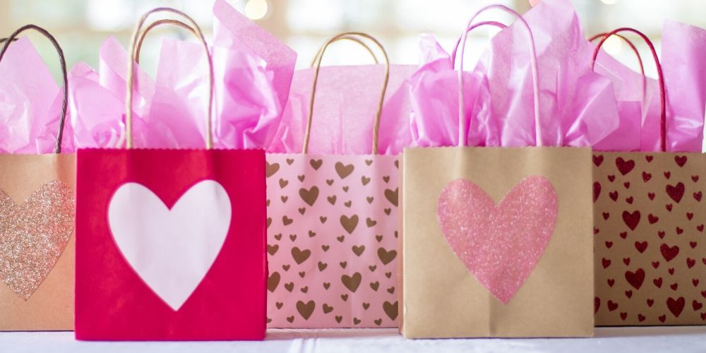 Comércio de Içara abre no feriado de Corpus Christi para aproveitar Dia dos Namorados