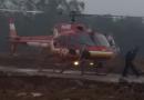 Ilhados, trabalhadores são resgatados pelo helicóptero dos bombeiros em Timbé do Sul